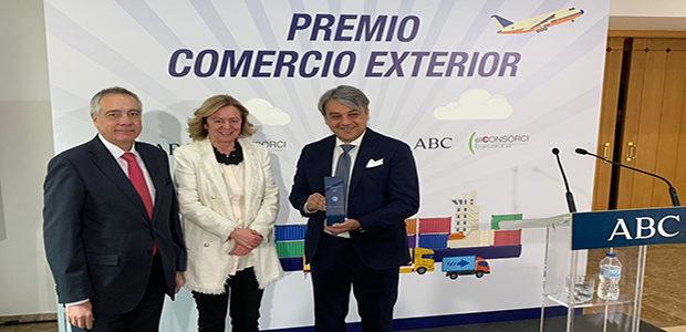 el consorci y abc distinguen a luca de meo de seat con el iii premio comercio exterior