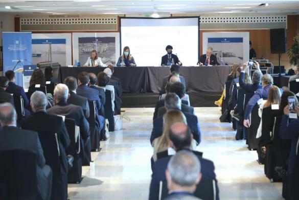 El Puerto de Barcelona y el departamento de Acción Exterior refuerzan las relacionas con el cuerpo consular de Barcelona para impulsar el comercio internacional