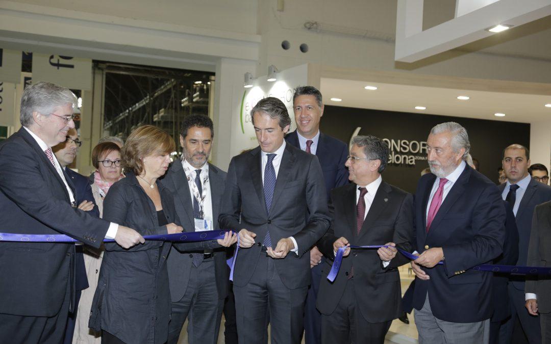 el ministro de fomento Íñigo de la serna inaugura la 21 edición de barcelona meeting point 2017.