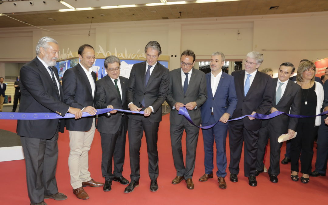 el ministro de fomento, Íñigo de la serna inaugura el sil 2017